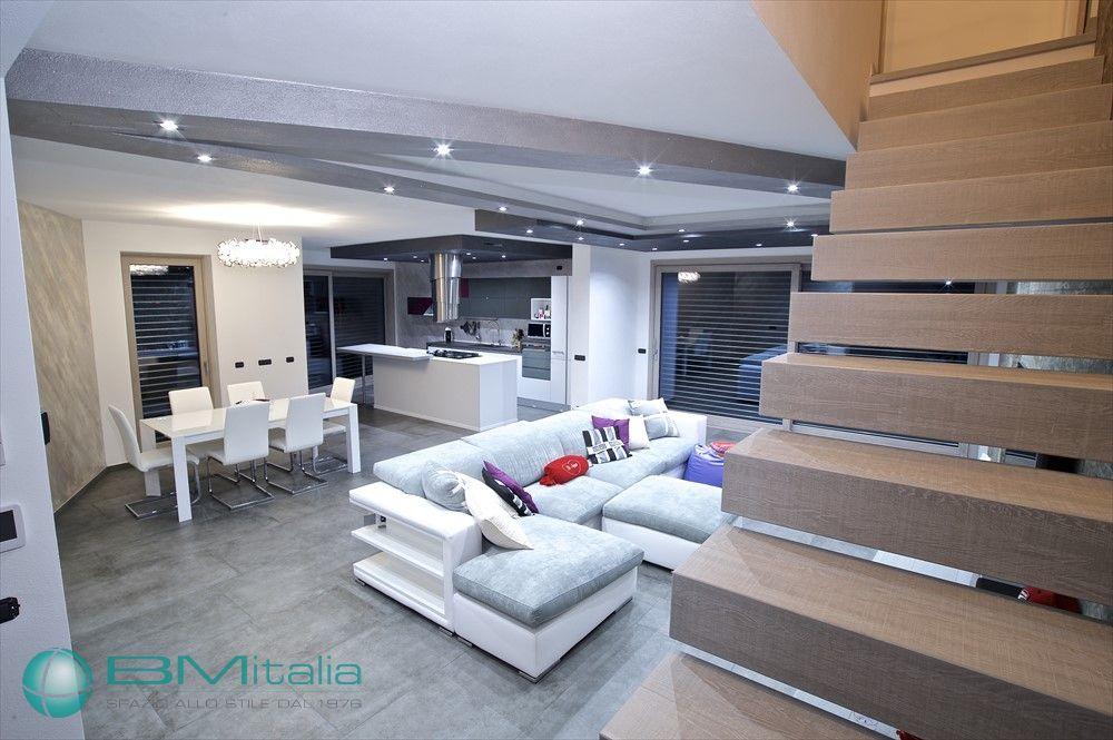 Realizzazione arredamenti per la casa a milano chiavi in for Casa italia arredamenti
