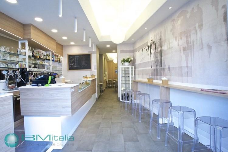 Arredamenti per bar e pub for Arredamento bistrot