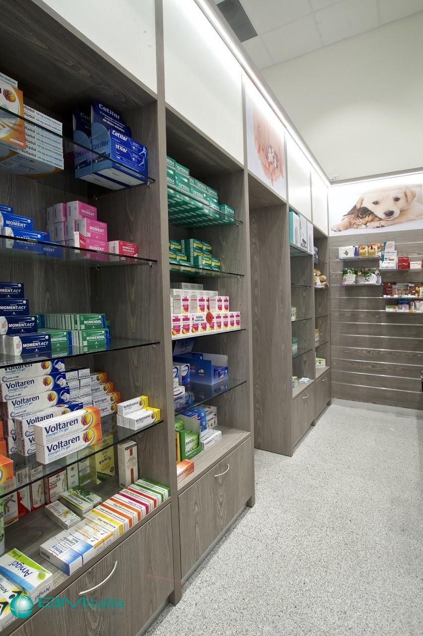 Progettazione e realizzazione arredamenti per farmacia in for Bottigelli arredi farmacia