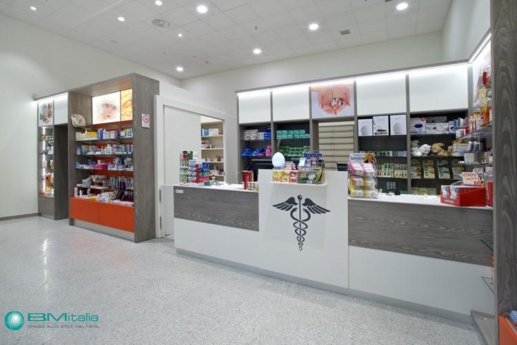 Arredamenti per negozi for Arredamenti farmacie