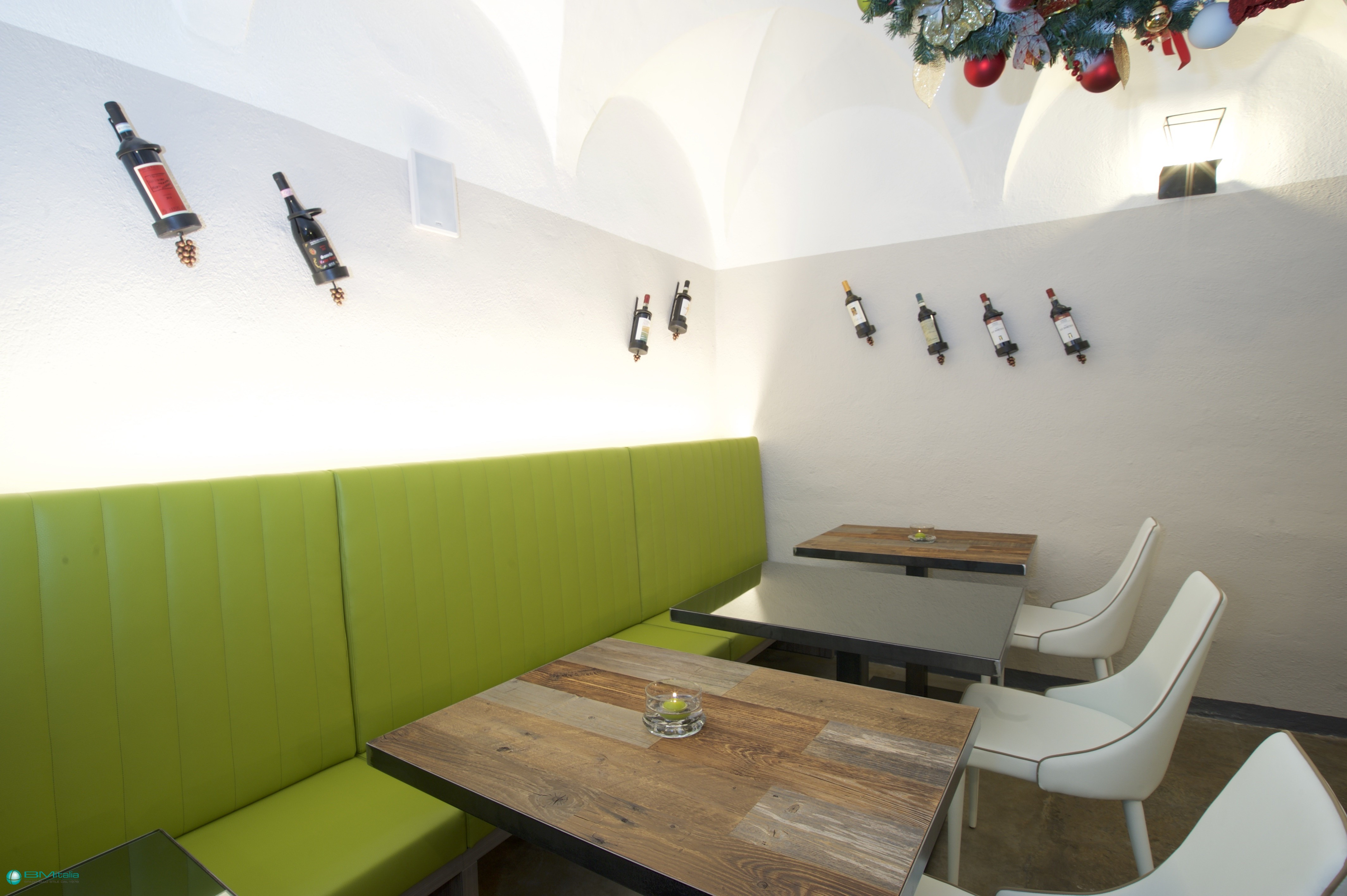 Realizzazione arredamento su misura per ristoranti e bar for Mullano arredamenti