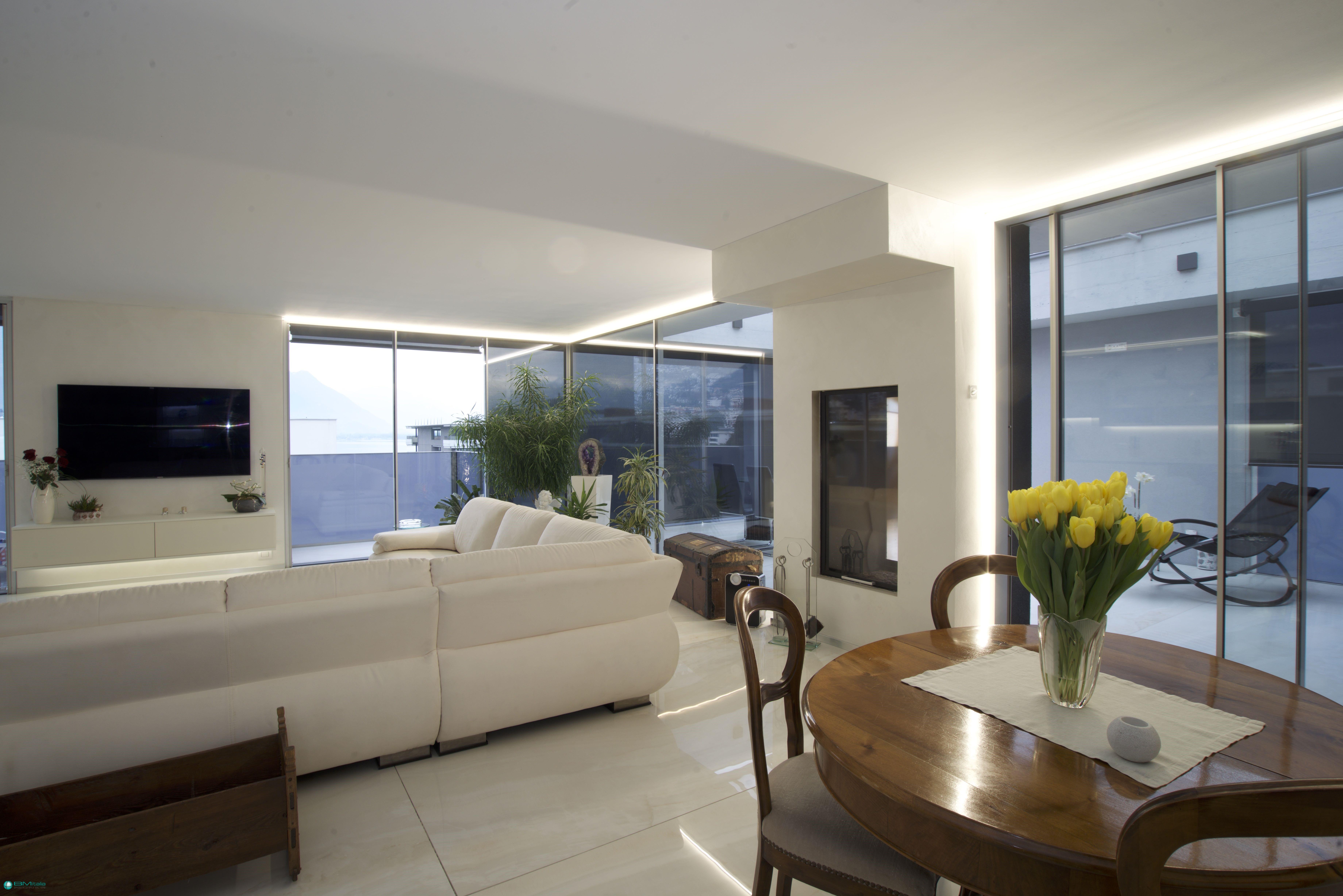 Arredamenti su misura per appartamenti di lusso ville for Casa italia arredamenti