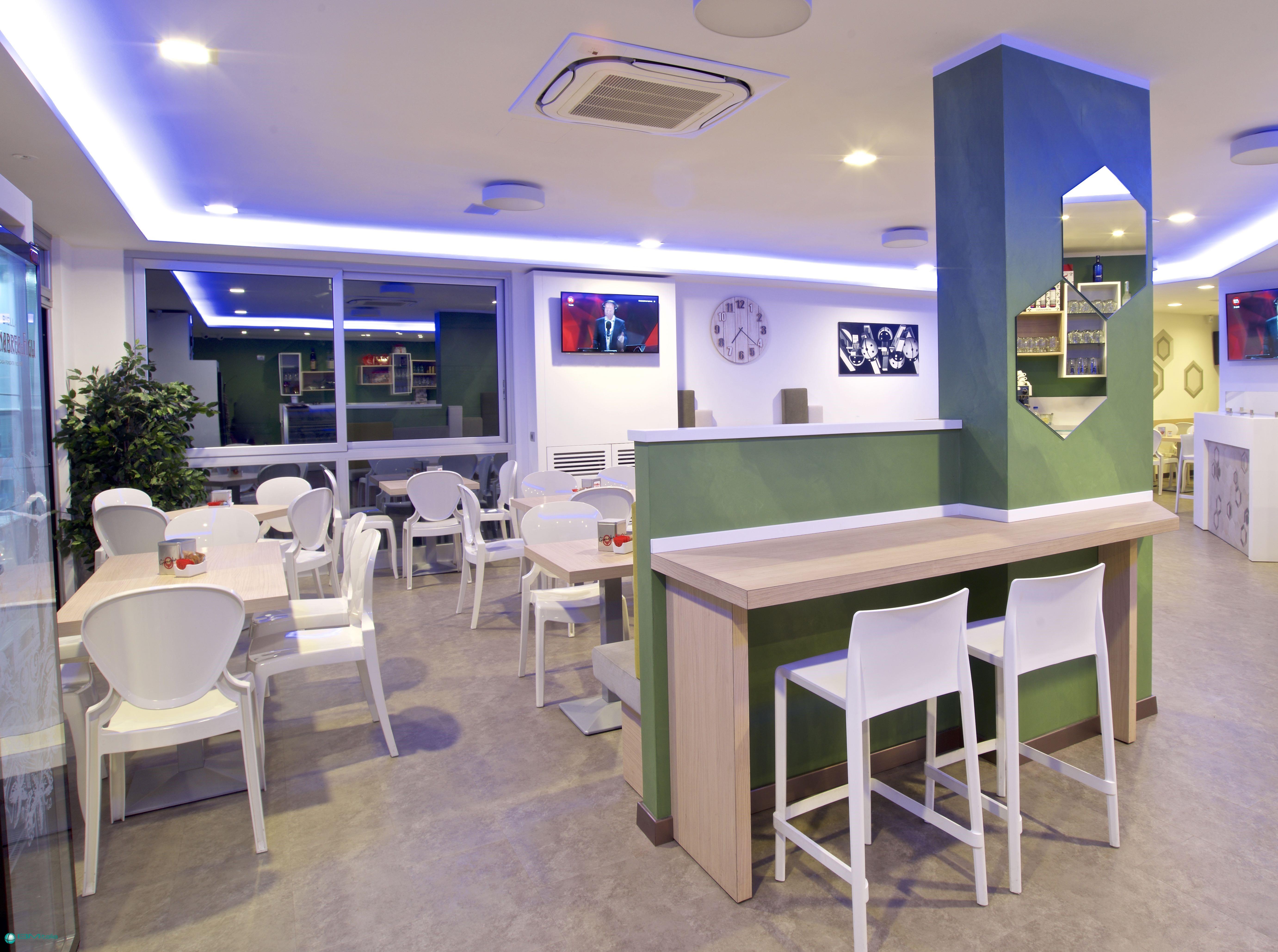 Progetto arredo bar ristorante food and beverage for Progetto arredo