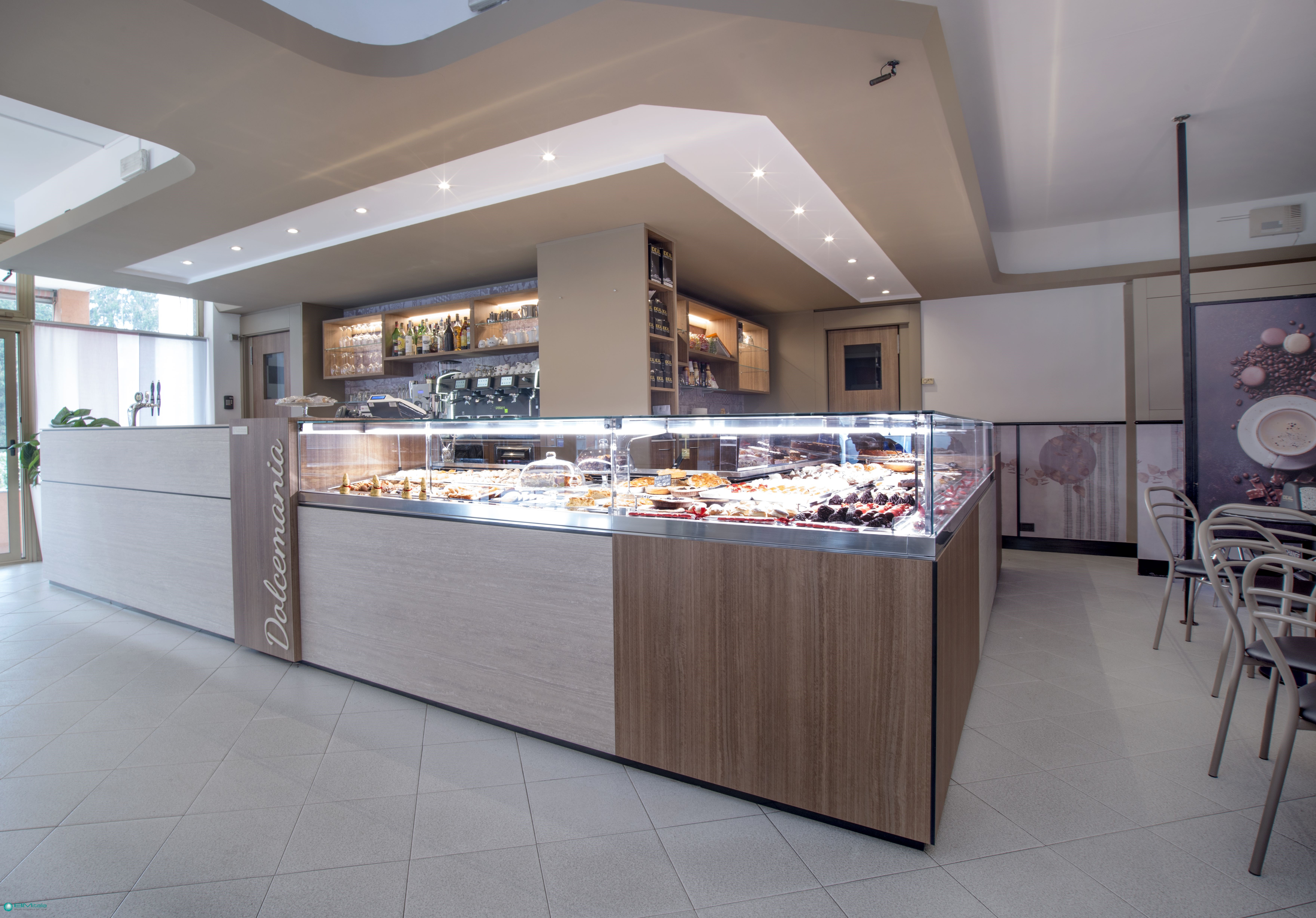 Arredamenti per pasticceria gelateria bar milano como for Arredamenti di giuseppe roma