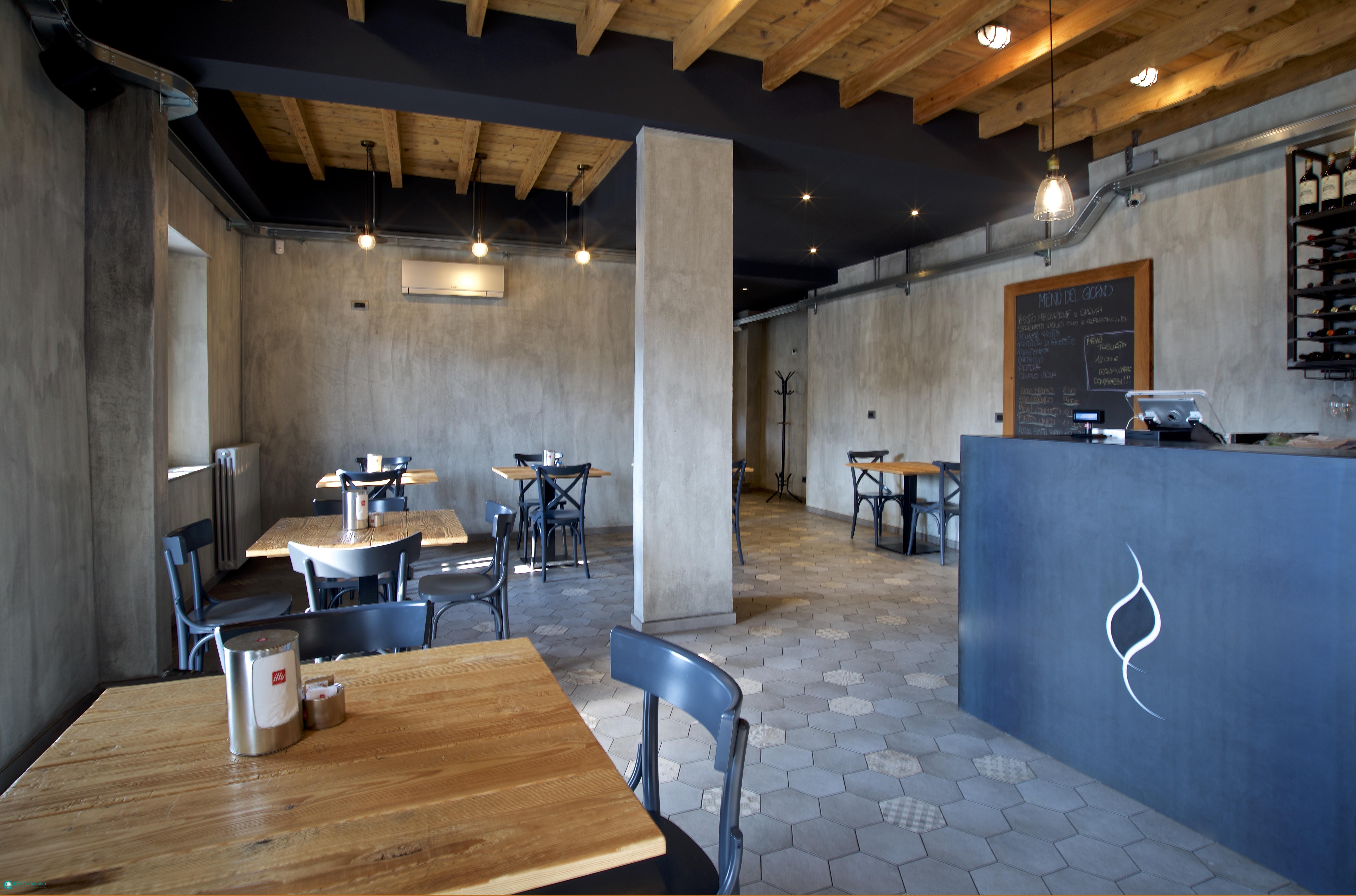 Arredare il tuo ristorante bar bistrot produzione for Made in italy arredamenti bertinoro