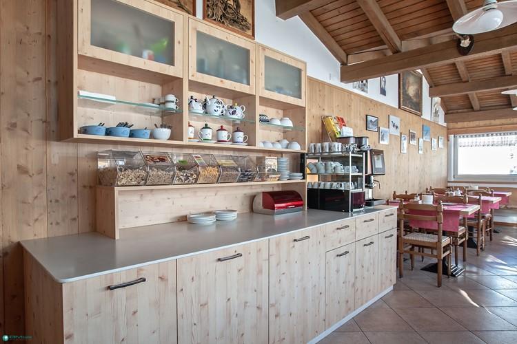 Arredamenti per hotel general contractor bmitalia for Italia arredo
