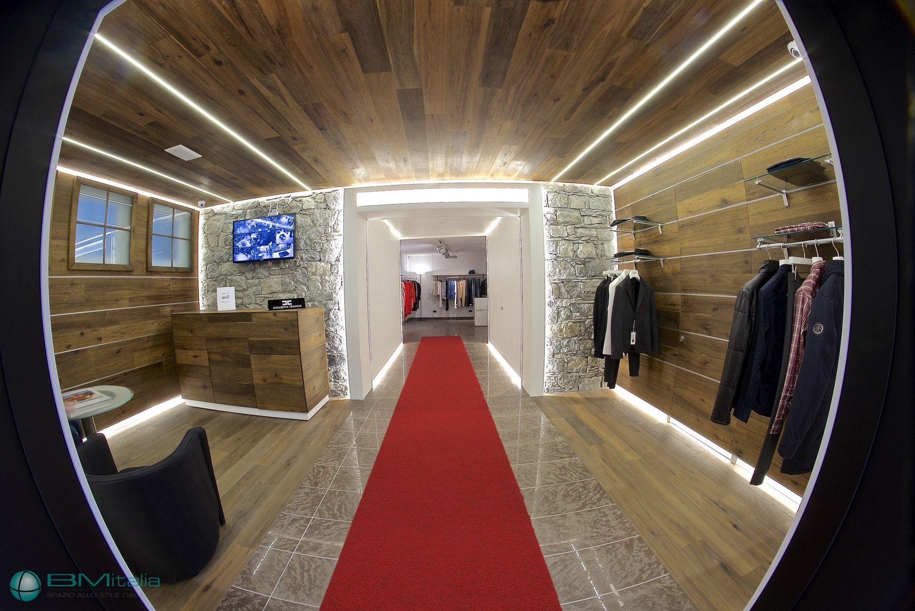 Progettazione arredamenti per negozi di abbigliamento for Arredamenti livigno