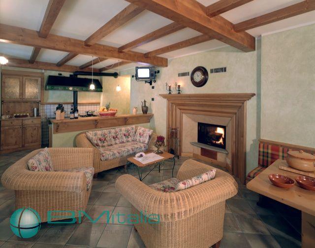 Progettazione e realizzazione arredamenti per case ville for Villa arredamenti milano