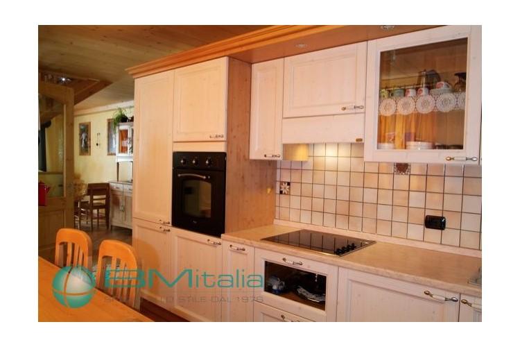 Arredamenti per abitazioni private for Arredamenti livigno