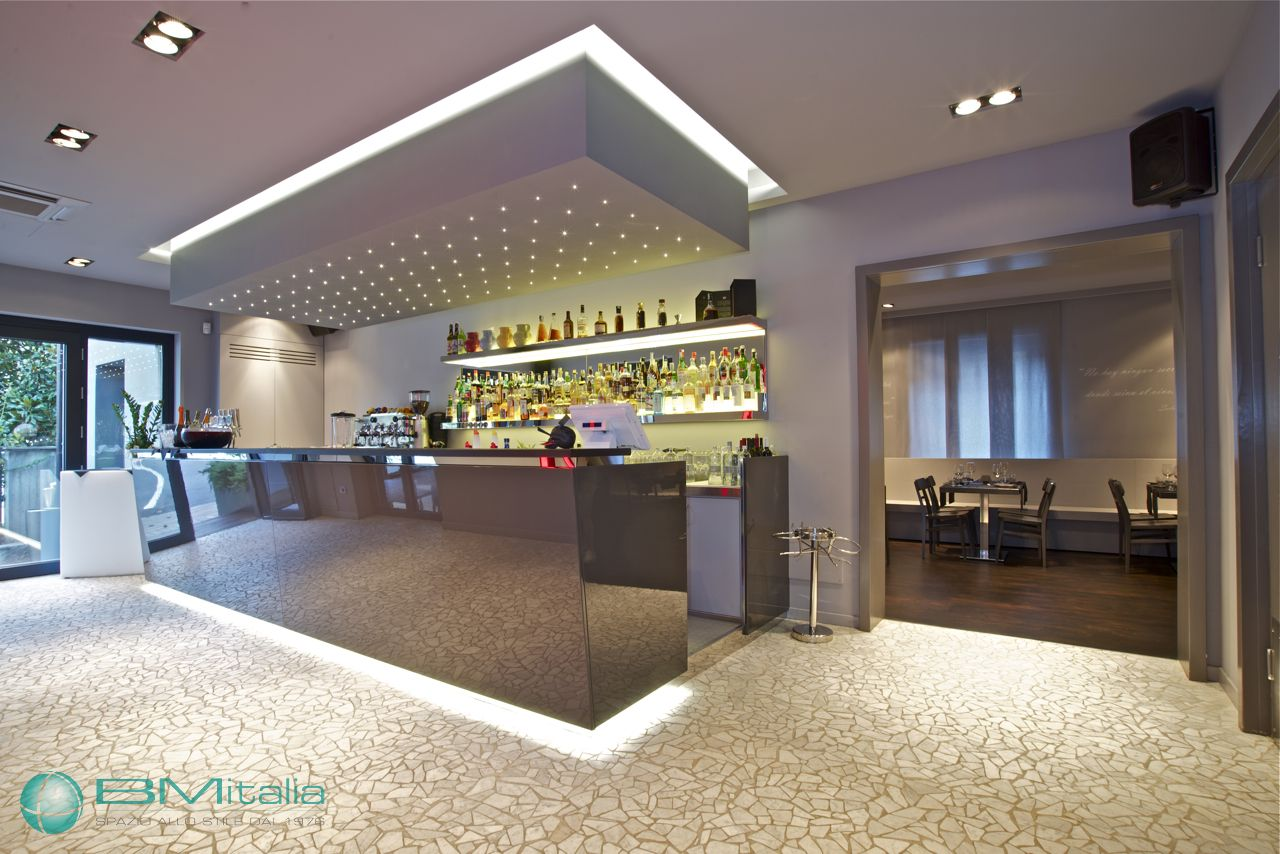 Progetto produzione arredo bar pub ristorante milano bmitalia for Arredamenti bar milano