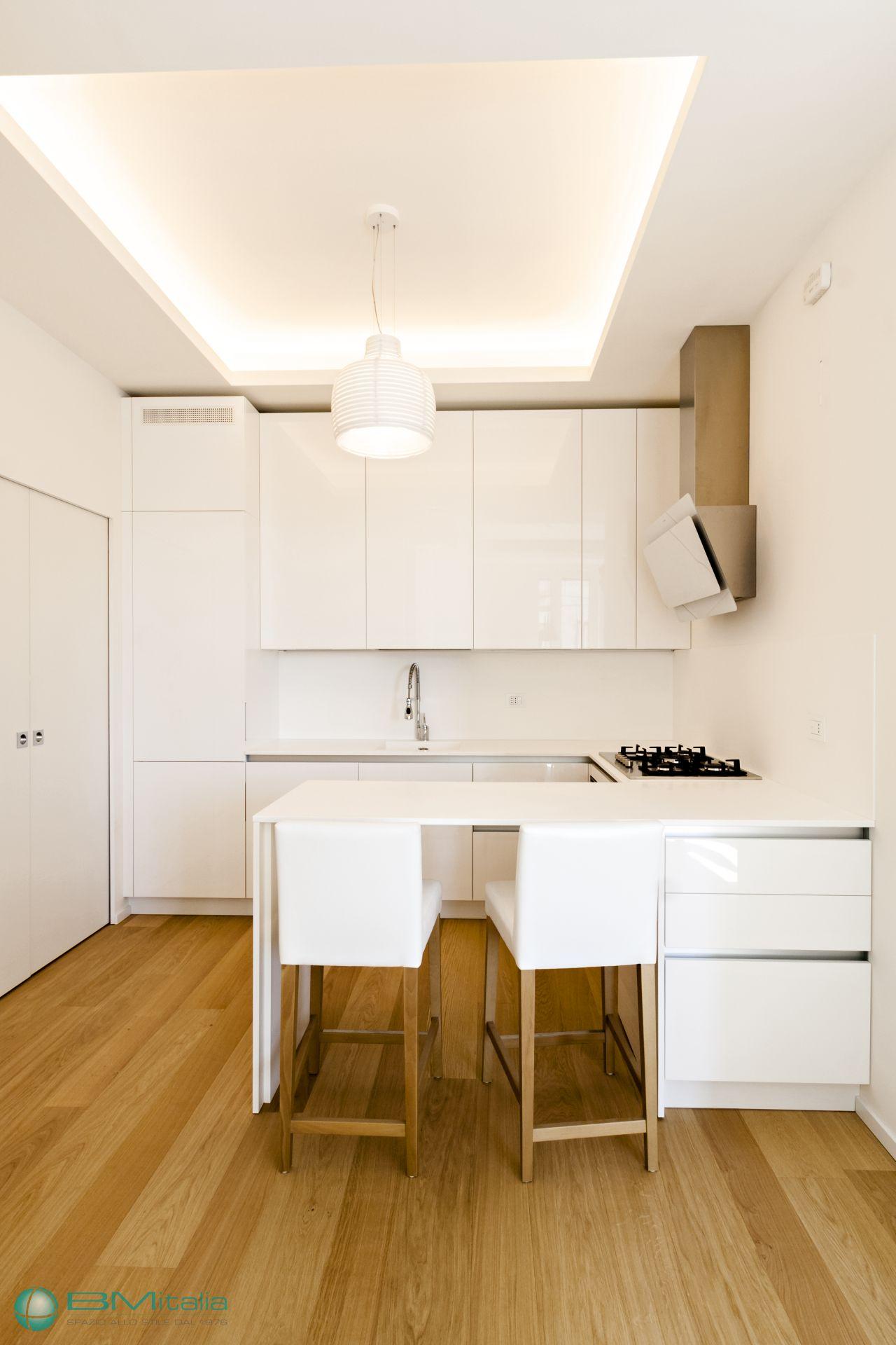 Produzione montaggio arredamenti su misura per residence for Df arredamenti