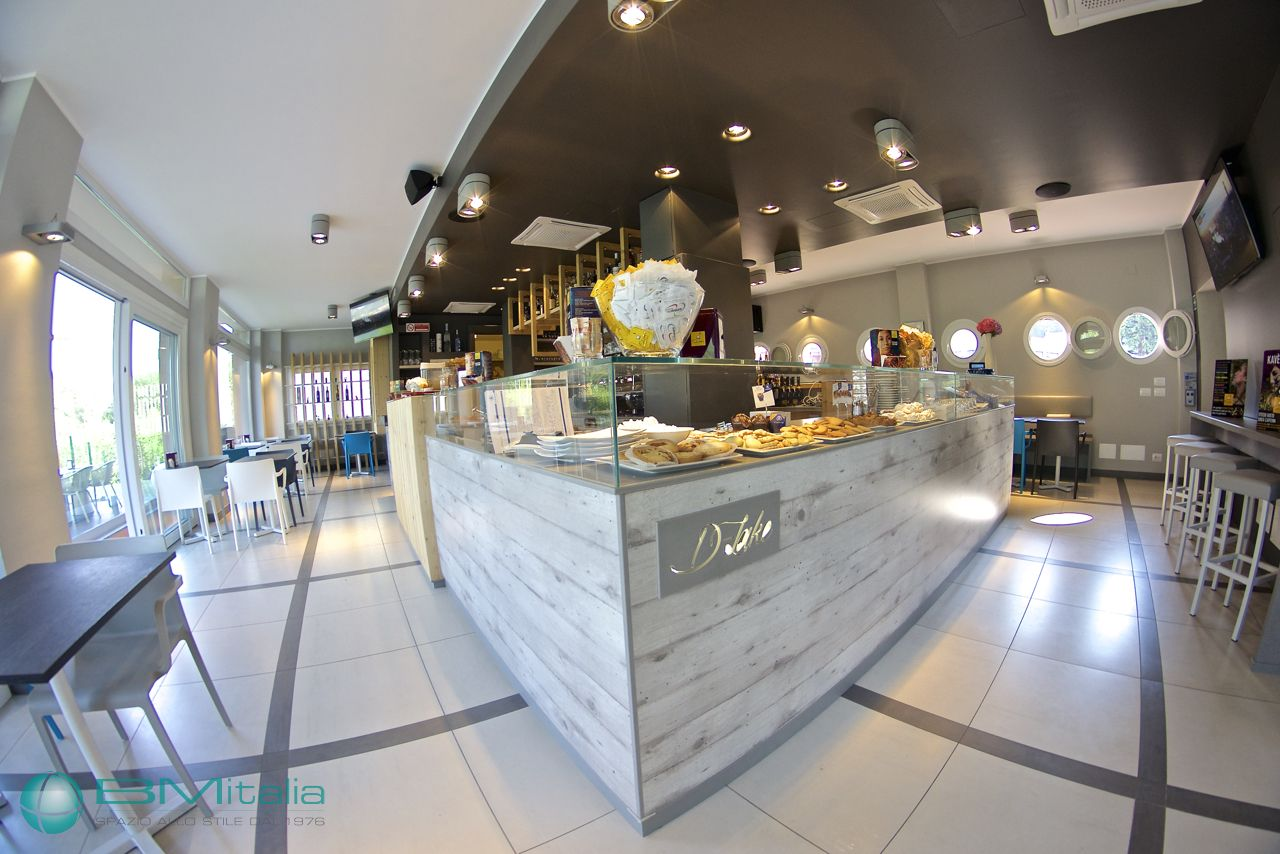 Arredi bar ristorante loungebar pizzeria a como bmitalia for Bf arredamenti